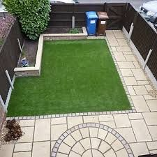 How to lay artificial turf like a professional Small Backyard Gardens, Small Backyard Landscaping, Back Gardens, Small Gardens, Modern Gardens, Backyard Patio, Back Garden Design, Modern Garden Design, Landscape Design