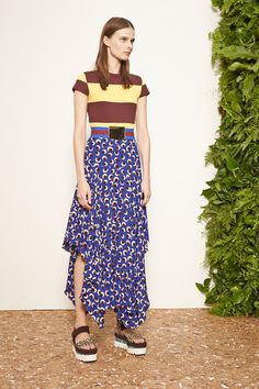 Stella McCartney | Resort 2015 Collection | Style.com - Look certo para o próximo verão. Great belt.