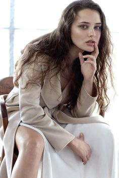 Prime Time - Katherine Langford by Robbie Fimmano for Vogue Australia April 2018 Thirteen Reasons Why, 13 Reasons, Hot Actresses, Hollywood Actresses, Brunette Actresses, Beautiful Celebrities, Beautiful Actresses, Glamour, Helena Christensen