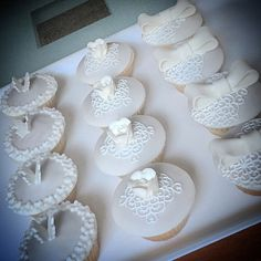 Mini cupcakes total white  #instafood #ilas #ilasSweetness #cupcakes #white #wedding https://www.facebook.com/ilascake