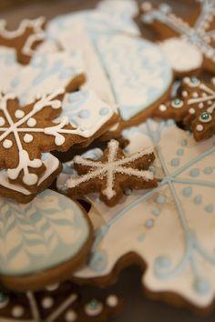 Gingerbread Snowflake Cookies  #christmas