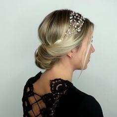 Updo hairstyle 634444666245179755 - Amazing hair tutorial by Source by Creativeideasandtutorials Updo Hairstyles Tutorials, Braided Hairstyles, Cool Hairstyles, Halloween Hairstyles, Grecian Hairstyles, Roman Hairstyles, Hairstyles Videos, Beautiful Hairstyles, Wedding Hairstyles