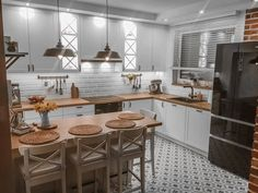 new home design Small Apartment Kitchen, Home Decor Kitchen, Kitchen Interior, Küchen Design, House Design, Interior Design, Kitchen Flooring, Kitchen Styling, Home Decor Inspiration