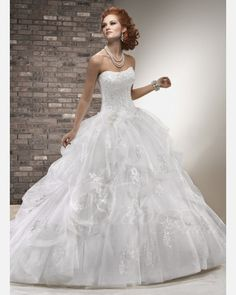 Gorgeous Ball Gown Scallop Chapel Train Tulle Wedding Dress with Beaded Lace Appliques. $241.92