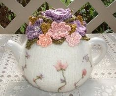 OMG!! I'm gonna have to but a teapot and make one of these!