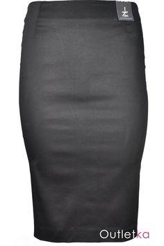 Nowa, ołówkowa spódnica firmy Atmosphere w odcieniu czarnym. Spódnica niezwykle elegancka, super układa się na sylwetce. Z wysoki stanem. Z tyłu zasuwana na zamek z złotym kolorze. Na dole rozporek.