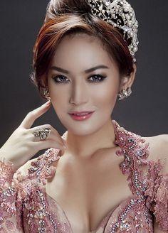 Beautiful Woman Maria Selena