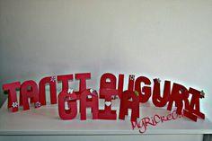 Banner da tavolo per la festa di compleanno di Gaia. #banner #festa #compleanno #faidate #handmade #alphabetpunchboard #memorykeepers #carta #paper #paperkratf