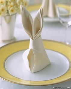"""Bunny dinner napkins - click """"this discovery"""" for directions. From Martha Stewart."""