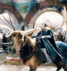 Entering the ruins of Dale. Lee Pace Thranduil, Legolas And Thranduil, Gandalf, O Hobbit, The Hobbit Movies, Forest Elf, Jrr Tolkien, Fantasy, The Elf