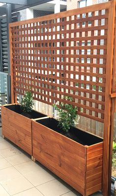 """Awesome """"outdoor patio ideas small"""" detail is available on our website. Take a look and you wont be sorry you did. terrasse, Backyard Privacy Fence Landscaping Ideas On A Budget 151 Privacy Fence Landscaping, Privacy Planter, Privacy Fence Designs, Patio Deck Designs, Privacy Screen Outdoor, Backyard Privacy, Backyard Fences, Backyard Landscaping, Privacy Trellis"""