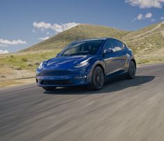 More and more manufacturers are focusing on developing new electric power trains and platforms, which could result in the number of electric cars to grow rapidly over the next several years. Slingshot Car, Tesla Video, Current Electric, How To Save Gas, New Tesla, Mid Size Suv, Tesla Model X, Nissan Leaf, Video X