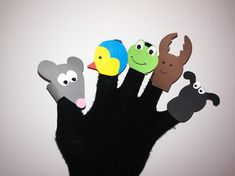 Puppets, Crafts For Kids, Snoopy, Christmas Ornaments, Holiday Decor, Fictional Characters, Crafts For Children, Kids Arts And Crafts, Christmas Jewelry