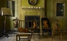 Sarah Kaye Representation: SANDRA LANE: HOMES & INTERIORS.  Antique violins, styled by Charis White, assisted by Stanley Spilman.