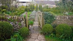 Barnsley House Potager Garden via Facebook page, as seen on linenandlavender.net, http://www.linenandlavender.net/2013/05/the-english-garden.html