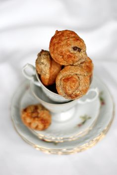 Healthy little banana muffins with chocolate pieces