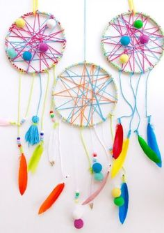 Beautiful DIY Dream Catcher to Keep Your Sweet Dreams This Summer - De . - Beautiful DIY Dream Catcher to Keep Your Sweet Dreams This Summer – Decoration House Diy - Diy And Crafts Sewing, Diy Crafts For Kids, Kids Crafts, Craft Projects, Arts And Crafts, Kids Diy, Craft Kids, Beautiful Dream Catchers, Dream Catcher Craft