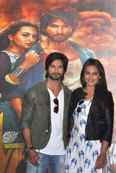 Shahid Kapoor and Sonakshi Sinha during promotions of R Rajkumar in Gurgaon