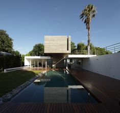 Bunker House, Buenos Aires, Argentina by Estudio Botteri-Connell