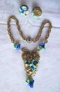 I'm wondering what date this might be from and what a general appraisal value might be. It's signed on the back of the earrings, on the screw-in Antique Jewelry, Vintage Jewelry, Miriam Haskell, Glass Beads, Beaded Necklace, Jewellery, Antiques, Metal, Bracelets