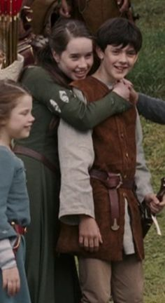 Susan hugs Edmund after finding out he is safe Edmund Narnia, Narnia Cast, It Movie Cast, Movie Tv, It Cast, Narnia Prince Caspian, Edmund Pevensie, Georgie Henley, The Avengers