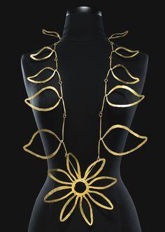 Alexander Calder - Brass necklace circa 1940.