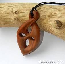 Resultado de imagen para collares tallados en madera