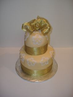 Gold Wedding Cake. #weddingcake