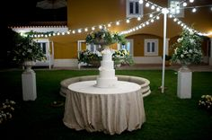 Everything is ready for the cake cutting ceremony in the Fountain garden at the destination wedding in Portugal For more information info@destinationweddingsinportugal.com #destinationweddingsinportugal #weddingportugal #destinationweddings #weddingvenues