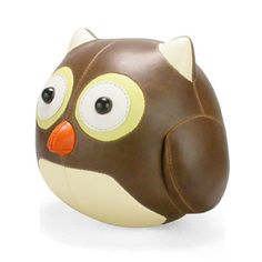 This adorable handcrafted Cicci owl bookend from Zuny is perfect for any child's bedroom shelf or even a parent's study desk. The handmade l Owl Home Decor, Handmade Home Decor, Kids Decor, Objet Deco Design, Owl Books, Design3000, Cute Blankets, Owl Pet, Owls