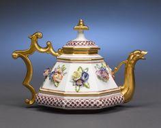 Meissen Porcelain Teapot by Boettger