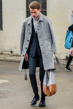 バルマカーンコートの意外に知らない意味や由来。ステンカラーコートは和製英語だった! Dress Down Friday, Winter Suit, Best Mens Fashion, Denim Outfit, Men Looks, Stylish Men, Winter Outfits, Winter Clothes, Mens Suits
