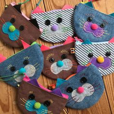 Discover recipes, home ideas, style inspiration and other ideas to try. Cat Crafts, Diy Crafts To Sell, Arts And Crafts, Cute Sewing Projects, Sewing Crafts, Handmade Bags, Handmade Crafts, Cat Bag, Unique Purses