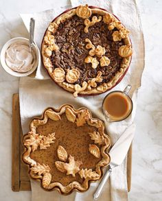 Recipe Roundup: Thanksgiving Pies So many delicious pies! Although as a southerner I can't condone using canned pecan pie filling. It's SO simple to make already. Thanksgiving Baking, Fall Baking, Thanksgiving Holiday, Holiday Pies, Thanksgiving Recipes, Pumpkin Butter, Pumpkin Spice, Pumpkin Tarts, Apple Butter