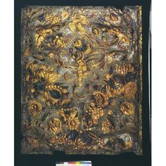 Embossed gilt leather panel with three human figures between foliage and two quarters of a feston. The embossed pattern consists of swags of scrolling foliage, tulips, roses, sunflowers and other flowers, grapes, pomegranates, berries, melons, pears, plums and other fruit, amid which are Bacchus, Ceres and a third unidentified human figure, and a bird pecking fruit above his head. Painted in a red- and dark green-glaze on a light green ground. Amsterdam ca. 1670