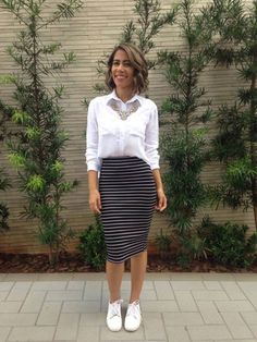 20 Amazing Work Outfit Ideas With Sneakers 03 Modest Outfits, Skirt Outfits, Cool Outfits, Summer Outfits, Casual Outfits, Fashion Wear, Modest Fashion, Fashion Looks, Fashion Outfits