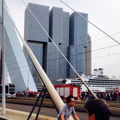 """@annemiekguis's photo: """"Alles komt vandaag samen #rotterdam #architectuur…"""