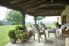 I love this porche Outdoor Retreat, Outdoor Seating, Outdoor Rooms, Outdoor Gardens, Outdoor Living, Outdoor Furniture Sets, Outdoor Decor, Terraced Patio Ideas, Porch And Terrace