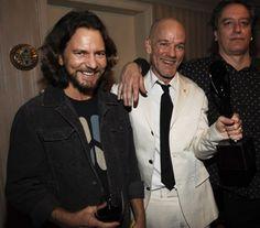 Michael Stipe, Peter Buck, and Eddie Vedder Rock Artists, Music Artists, Eddie Vedder, Pearl Jam, Picture Photo, The Man, Crushes, Celebs, Guys