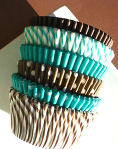 Teal and brown cupcake liners@Alecia Peyton-Riley u need these cuute!