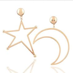 Trendy Mismatched Cutout Star Moon Geometric Gold Dangle Drop... (48 BRL) ❤ liked on Polyvore featuring jewelry, earrings, star earrings, gold jewelry, statement drop earrings, drop dangle earrings and yellow gold dangle earrings