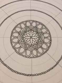 Mandala con grilla similar a la de Laura Podio -How to make a mandala pt.2