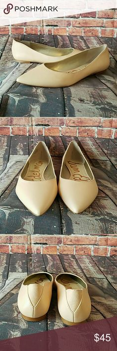 Sam Edelman Nude Flats 7.5 SAM EDELMAN Rae Soft Talco Kid Nude Leather Pointed Toe SlipOn Ballet FLATS  -Super cute nude color -Size 7 1/2 -Very Good pre owned condition with minor wear on bottoms as shown in pictures  Smooth leather flats in a refined, pointed-toe profile. Suede detailing at heel. Synthetic sole. Sam Edelman Shoes Flats & Loafers