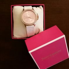 Juicy Couture Jetsetter Rosegold Watch Hardly worn. Excellent condition/like new. 38mm Rosegold and Swarovski crystal with a light pink face. has a white silicone strap with JC monogram. Juicy Couture Accessories Watches
