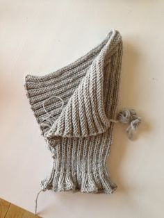 Ellie Ba Delli: Strikket elefanthue til baby Knitting For Kids, Free Knitting, Knitting Projects, Baby Knitting, Crochet Baby Clothes Boy, Baby Sewing, Cool Hats, Knitted Hats, Knit Crochet