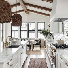 50 Best Modern Farmhouse Kitchen Island Decor Ideas (27)