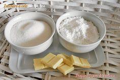 Lo zucchero a velo fatto in casa è decisamente più economico e sempre presente in dispensa all'occorrenza. In tre ricette facilissime.