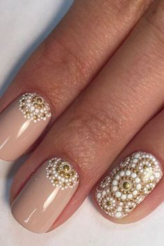 nail art designs braid fashion makeup These Intricate Dotticure Manicures Will Have You Dashing to the Salon Diy Nails, Glitter Nails, Manicure Ideas, Pedicure, Tattoo Henna, Tattoos, Special Nails, Dot Nail Art, Nail Art Dotting Tool