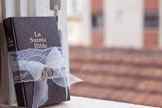 Resultado de imagem para biblia porta alianças de casamento