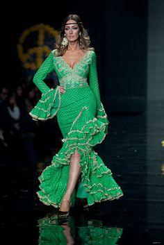 """Wappíssima - Simof 2009 - Aurora Gaviño - Colección """"La Magia de las Flores"""" Dance Outfits, Dance Dresses, Dress Outfits, Fashion Dresses, Flamenco Dresses, Flamenco Costume, Costume Dress, Costume Ethnique, Spanish Dress"""
